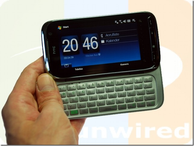 htc_touch_pro_2_hand_front_open_flat