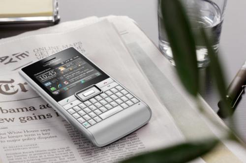 Sony-Ericsson-Aspen-1