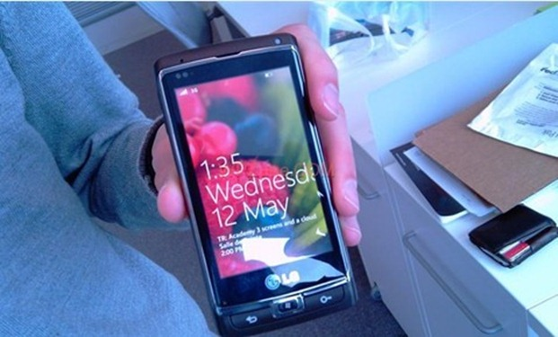 LG Windows Phone 7 Smartphone
