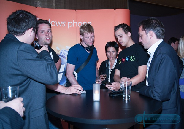 Dutch users have a hands-on with Windows phone 7 handsets