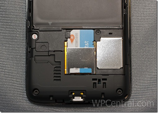 HTC-Surround-Expansion-Card-Slot