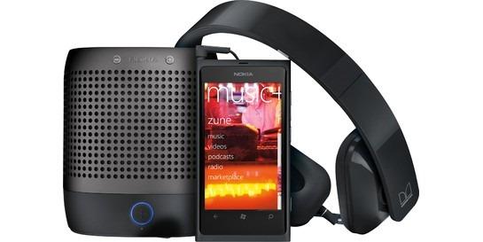 en-US_Nokia_800_Unlocked_Blk_CYF-00059