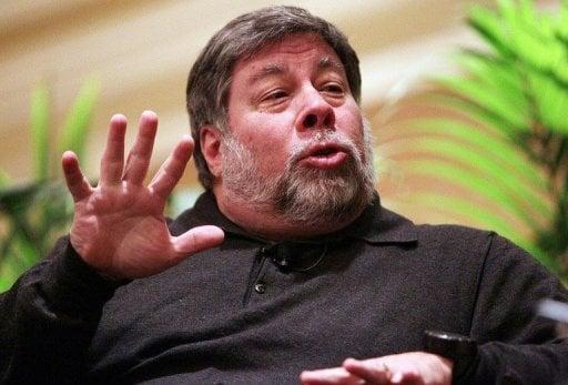 Apple Co-founder Steve Wozniak wants Apple to manufacture folding iPhone 30