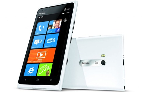 Nokia-Lumia-900-for-ATT-white