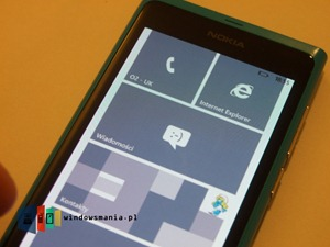 Lumia-800-running-Windows-Phone-7.8