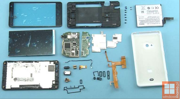 Nokia Lumia 625 tear down 2