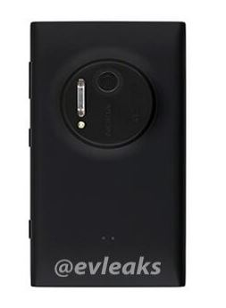 Nokia Lumia 909 Back