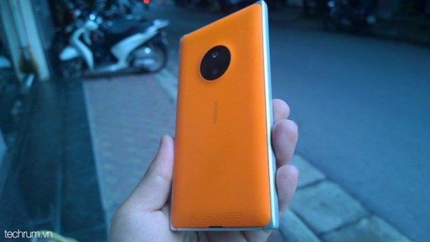 Nokia-Lumia-830-1_thumb.jpg