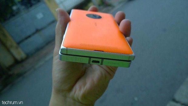Nokia-Lumia-830-8.jpg