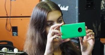 Nokia-Lumia-830-sharing-jpg