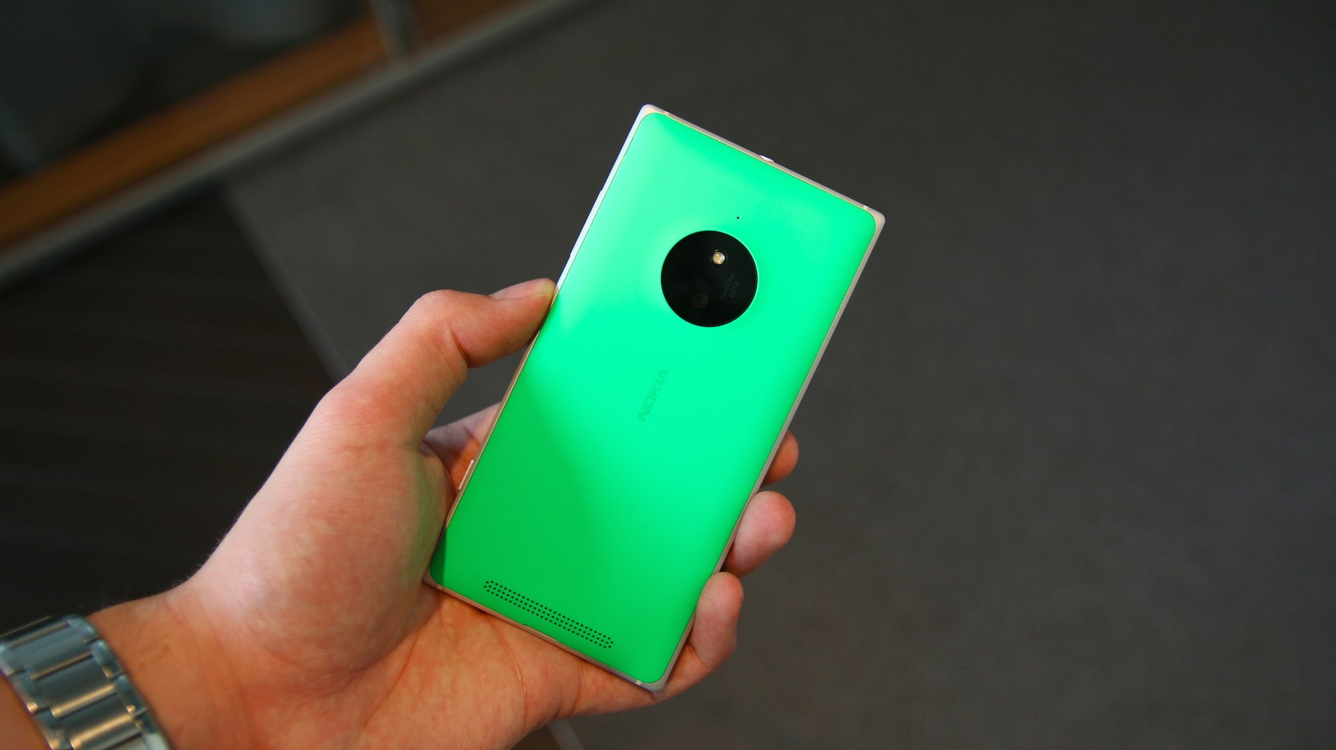 Carphone Warehouse now accepting pre-orders for the Nokia Lumia 830