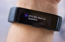 A calendar reminder on the Microsoft Band.