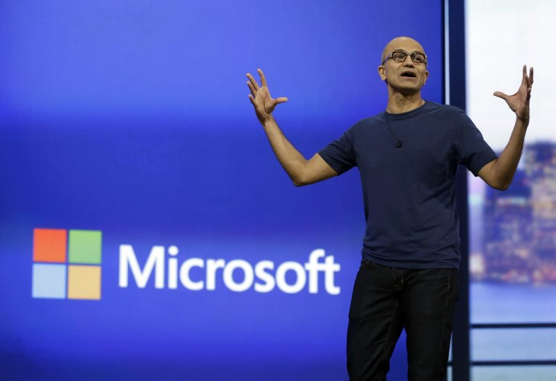 Microsoft's newest iOS apps aim to help small businesses grow 1