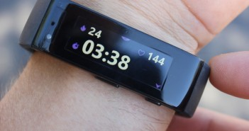 While running, the current duration is displayed alongside your heart rate and calories burnt