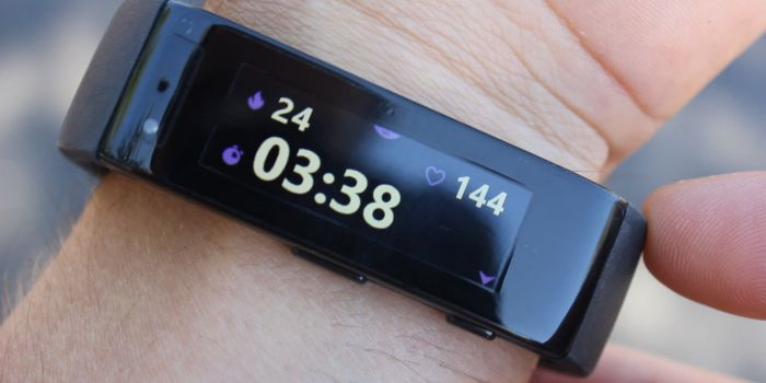 Video of Microsoft Band's fitness and health features 5
