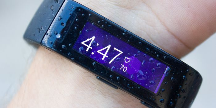 Microsoft Band tested in the rain (video) 7