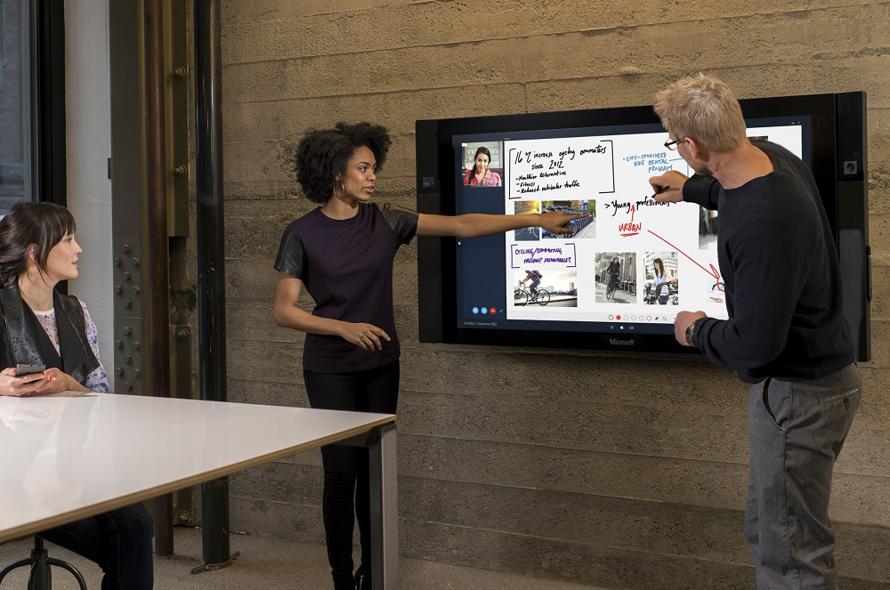 Microsoft finally releases new Whiteboard app for Surface Hub 1