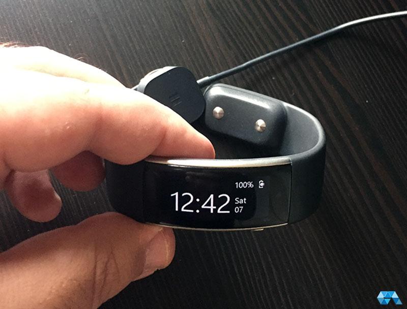 MicrosoftBand2-Charging