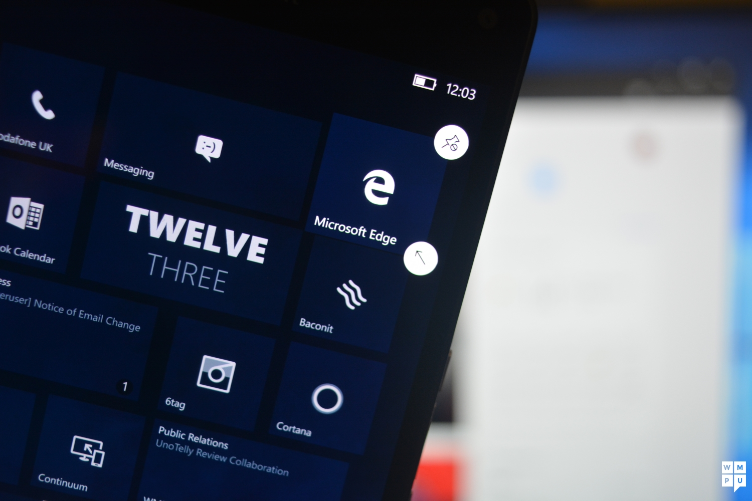 Just Like On Windows 10 For Desktop Pcs And Tablets Microsoft Has Given Internet Explorer The Boot Phone Replaced It With A Nice