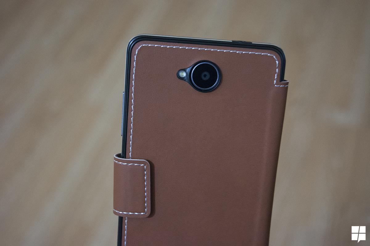 achterkant lumia 650