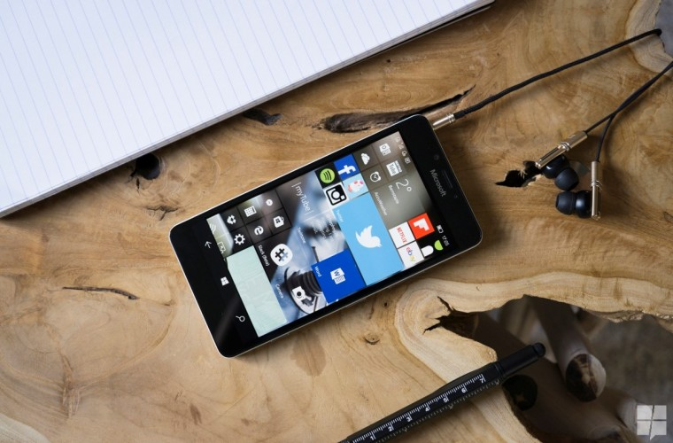 Microsoft explains that investment in Windows Mobile is strategic, not for growth 11