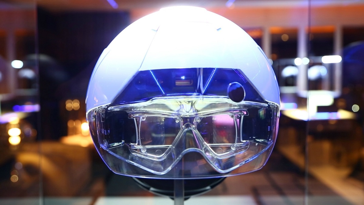 daqri is a hololens competitor that may beat microsoft to