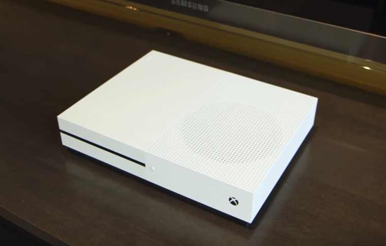 Video: Xbox One S Unboxing 10