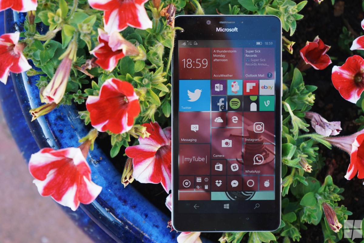 A new security update hits Windows 10 Mobile 1
