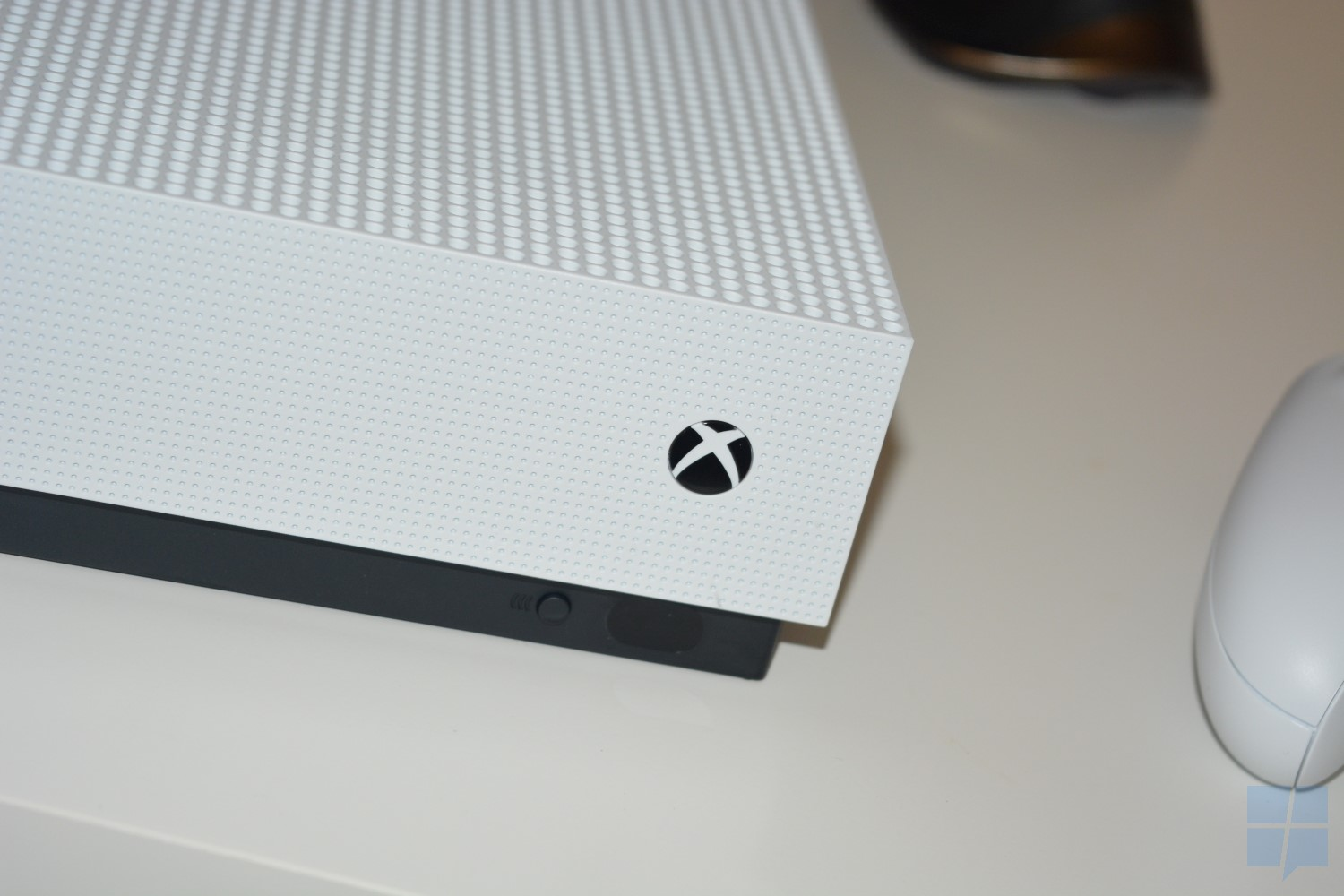 xbox-one-s-front-2