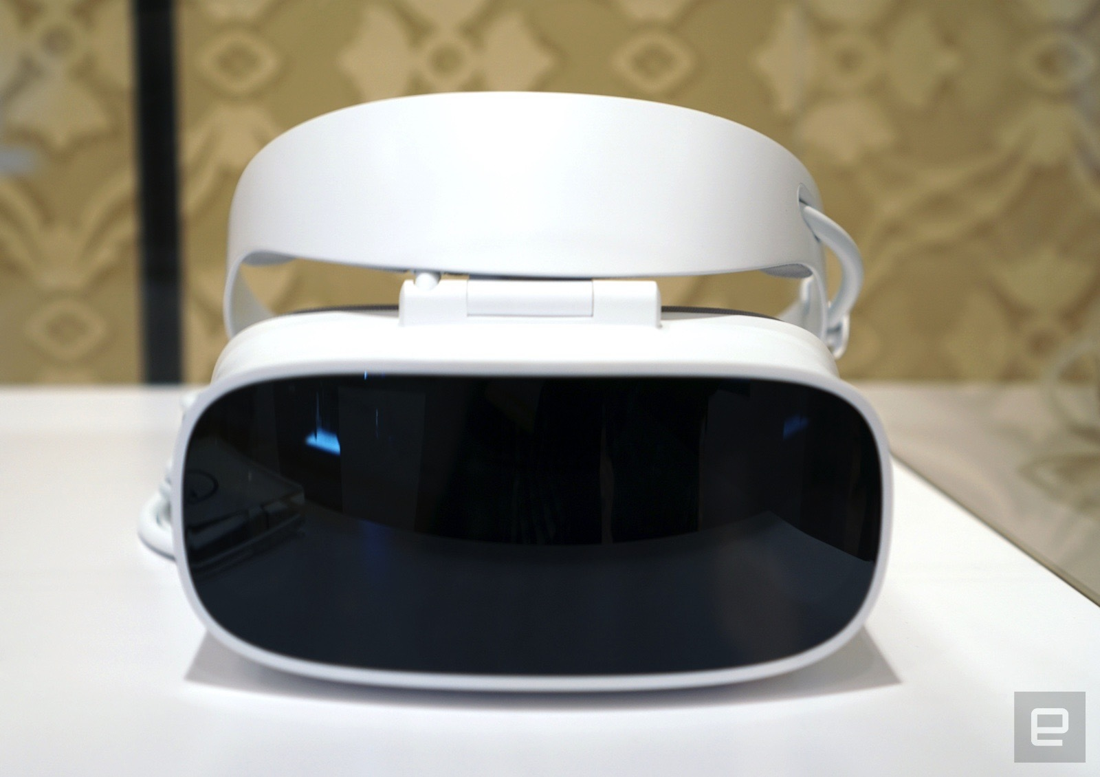 360122370166 Microsoft to ship Windows Holographic developer kits at GDC 2017 ...