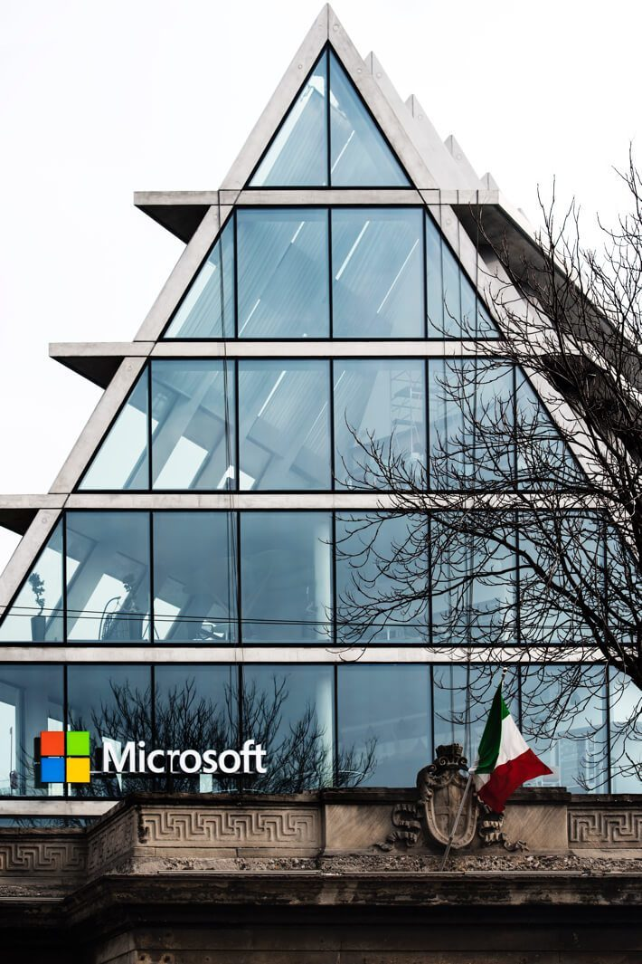 microsoft italy opens its new office in milan