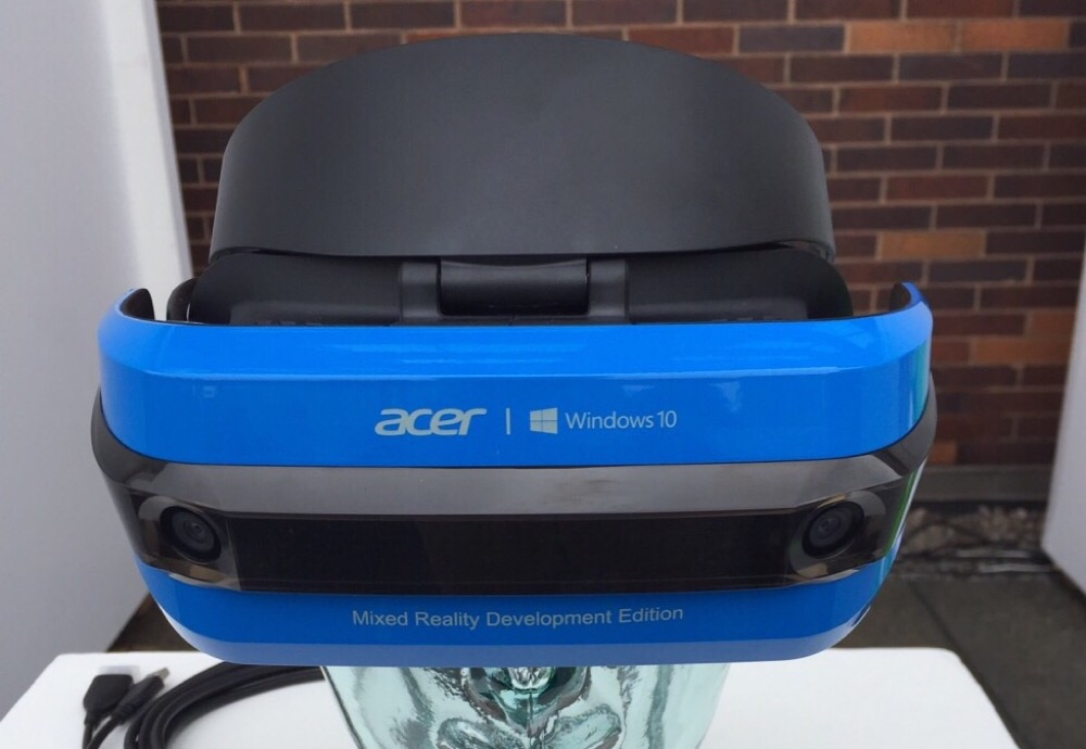 Acer's Windows Mixed Reality headset now available for order in the US 1