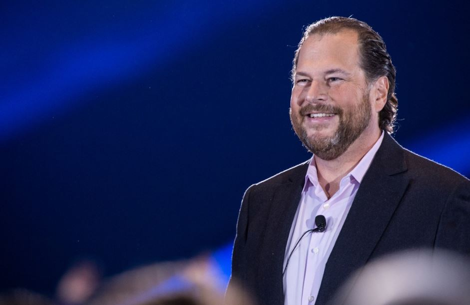 Salesforce CEO makes fun of the Microsoft Surface 1