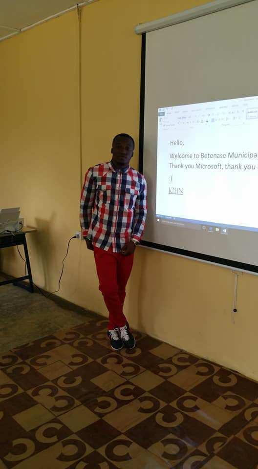 Follow-up: Microsoft donates technology to Ghanaian school with dedicated CS teacher 6