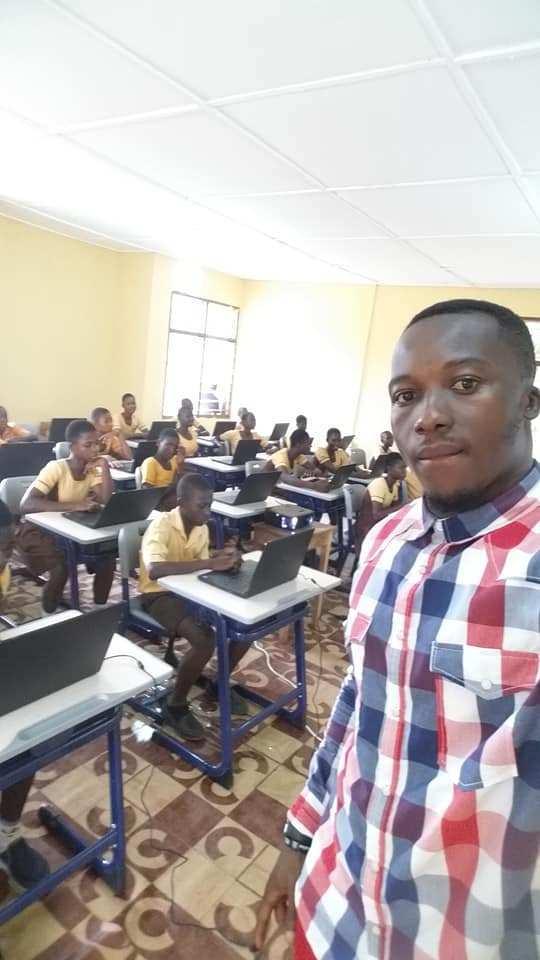 Follow-up: Microsoft donates technology to Ghanaian school with dedicated CS teacher 4