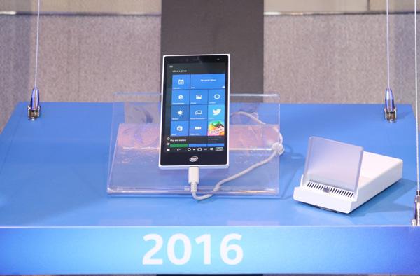 Intel showed off a real Pocket PC at Computex (video) 2
