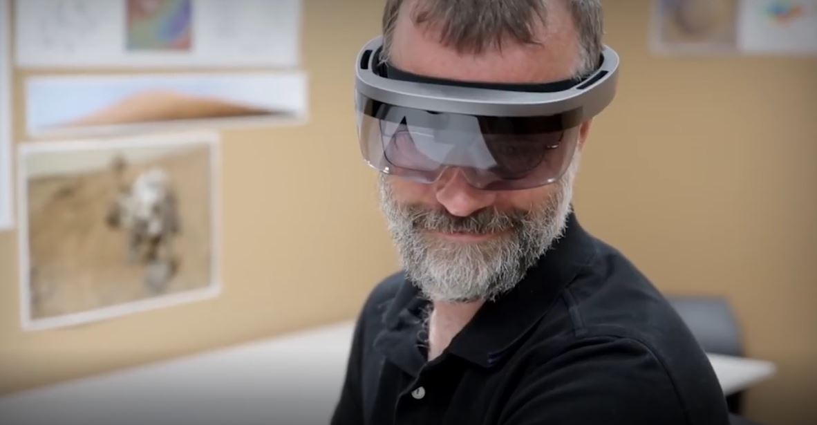 photo of This is how Microsoft will solve the HoloLens 2 Field of View issue image