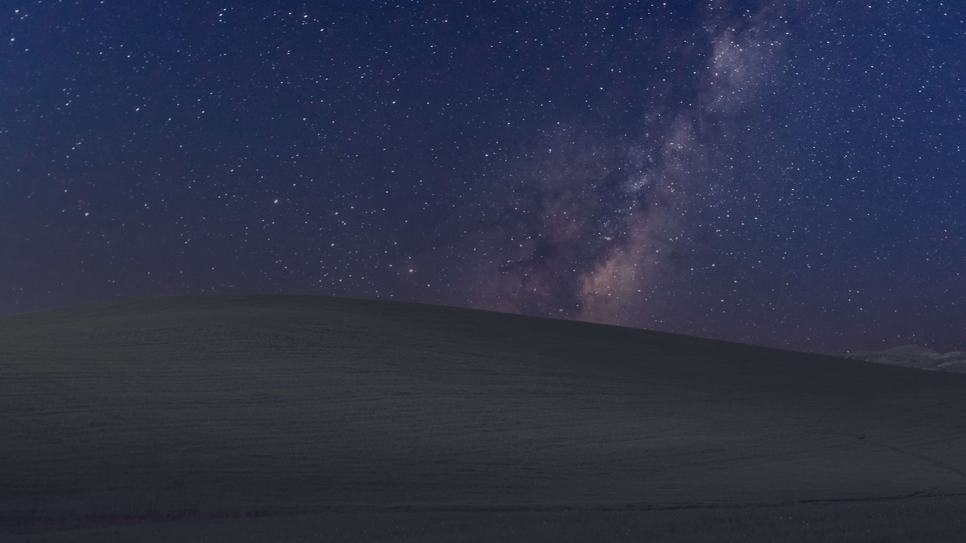 These Two Windows 10 Wallpapers Are Perfect For Your Darker Side
