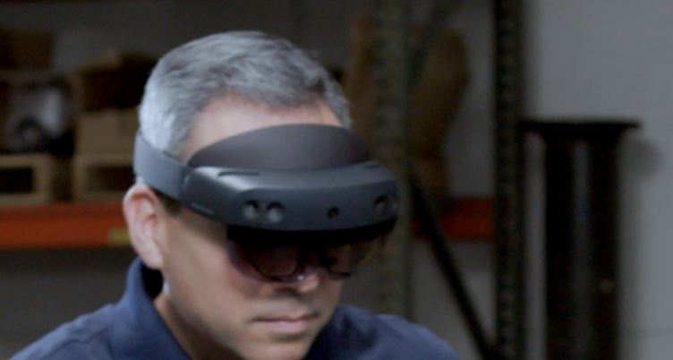 Microsoft's HoloLens 2 features double the field-of-view