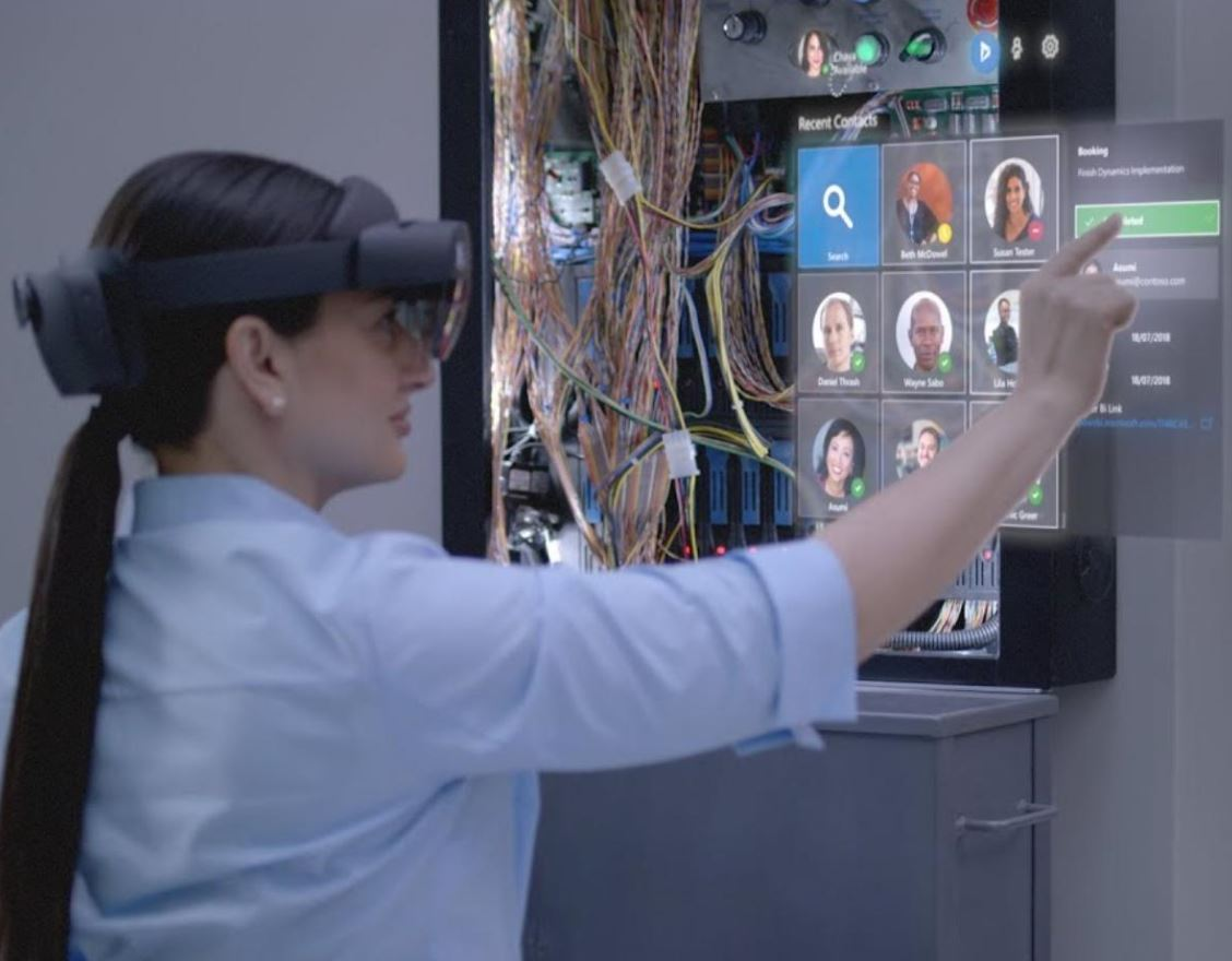 HoloLens Customization program helps companies make the headset their own