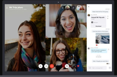 Microsoft changes the position of the chat panel during a Skype call 9