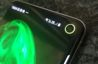 You can now turn Galaxy Note 10's punch hole camera cutout into a battery indicator 17