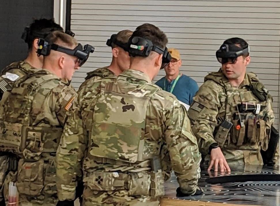 microsoft u0026 39 s military hololens 2 revealed  turns combat into a  u0026quot real