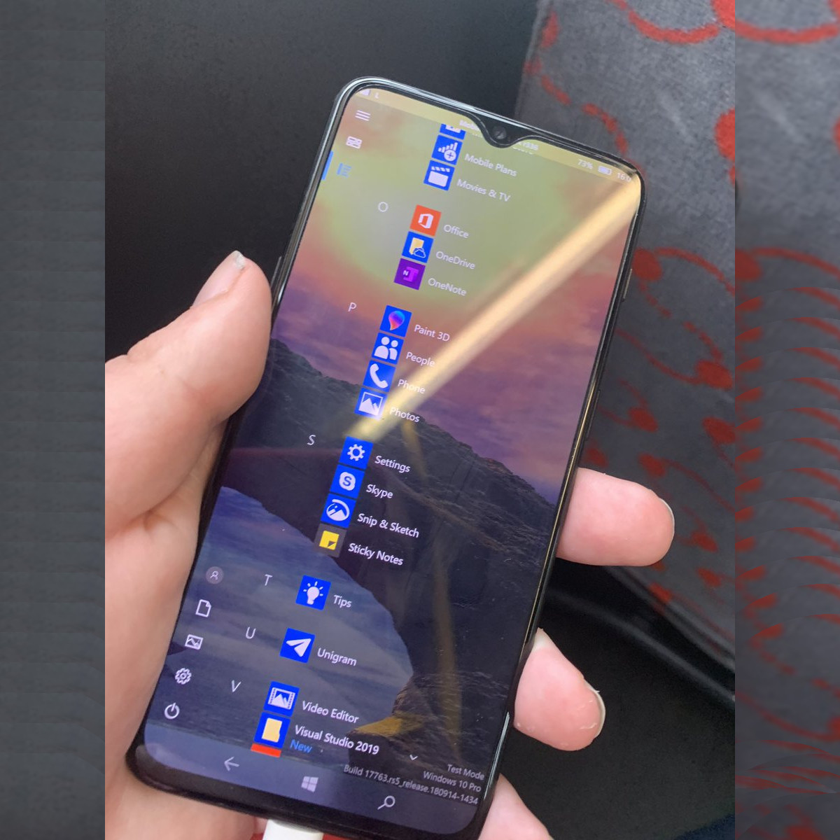 MobileShell for Windows 10 on ARM looks great on the OnePlus 6t