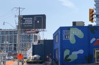 Hypocritical Apple is back with another billboard to criticize Google 1