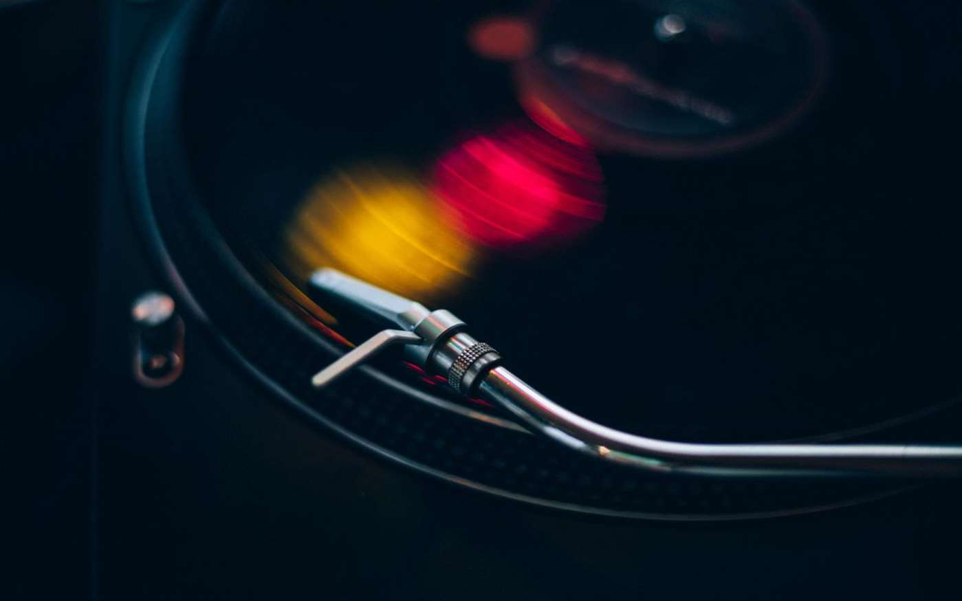 Windows 10 Users Microsoft Releases Visions Of Vinyl A