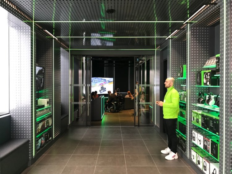 Microsoft's London flagship retail store opens today, here's what's inside (photos) 12