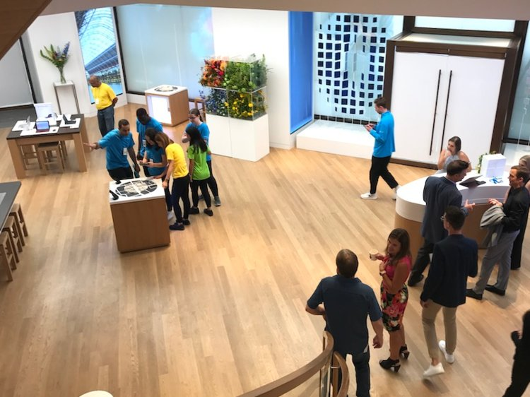 Microsoft's London flagship retail store opens today, here's what's inside (photos) 6
