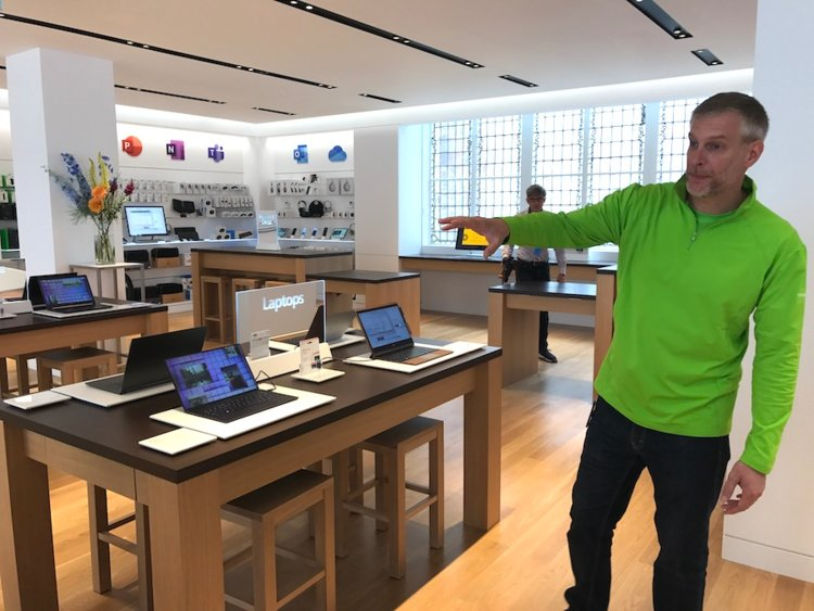 Microsoft's London flagship retail store opens today, here's what's inside (photos) 7