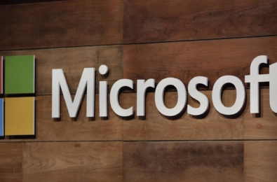 Microsoft slammed by Amazon and Google for outsourcing price rises 17